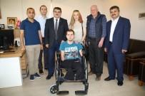 MAVİ KAPAK - Melikgazi Belediyesi Topladığı Mavi Kapaklarla Tekerlekli Sandalye Aldı