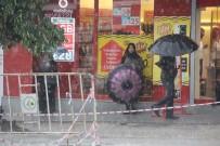 Şiddetli Yağmur Kent Merkezinde Etkili Oldu