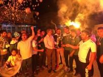 KUPA TÖRENİ - 1. Amatör Kümeye Yükselen Arslanlıspor Kupayı Kaldırdı