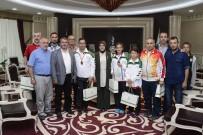 BEDENSEL ENGELLILER - Başkan Toru Başarılı Sporcuları Ağırladı