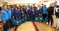 ERZURUMSPOR - BB. Erzurumspor'un Şampiyon Altyapısı Başkan Sekmen'i Ziyaret Etti