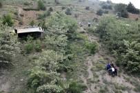 Gümüşhane'de Hafriyat Kamyonu Devrildi Açıklaması 1 Ölü