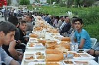 AHMET ÖZKAN - Kaymakamlıktan Köy Meydanında İftar Programı