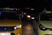 TAKSİ ŞOFÖRÜ - Merkez Taksicilerinden İlçe Taksicilerine Protesto