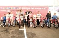 MUSTAFA BOZBEY - Nilüfer Belediyesi Başarılı Öğrencileri Bisikletle Ödüllendirdi