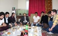 AHMET ORHAN - Rektör, Öğrencilerin Hazırladığı Yer Sofrasında İftar Yaptı