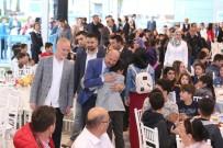 ALI USLANMAZ - Sultangazi Belediyesi'nden Öğrencilere İftar