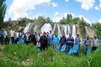 ŞELALE - Van Muradiye Şelalesi Çöplerden Temizlendi