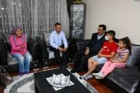 BİLGİSAYAR OYUNU - Başkan Ak'tan Kanser Hastası Hasan Efe'ye Moral Ziyareti