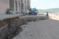 Bayburt'ta Çöken Yol Tehlike Saçıyor