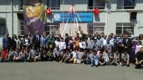 ÜSKÜDAR BELEDİYESİ - Cahit Zarifoğlu İsmini Taşıyan Okulda Ve Kabri Başında Anıldı