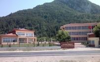 YÜKSEK ÖĞRETIM KURUMU - Cide'de Rıfat Ilgaz'ın İsmi Meslek Yüksekokulu'ndan Siliniyor