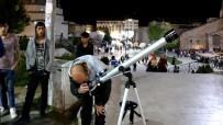 ÖĞRENCILIK - Hobi Olarak Aldığı Teleskop İle Ay'ı İzletip Para Kazanıyor