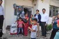 AHMET ÖZKAN - Kaymakam Özkan'dan Dar Gelirli Ailelere Gıda Paketi