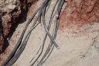 DAĞITIM ŞİRKETİ - Montajı Yapılan Elektrik Kablolarını 24 Saat Geçmeden Çaldılar