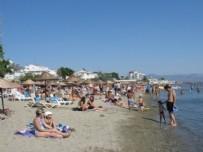 GÖRGÜ TANIĞI - Plajda 70 yaşındaki kadın turiste...