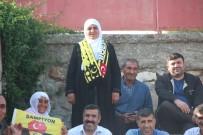 KÜPLÜ - 70 Yaşındaki Teyze Köy Futbol Takımının Hiçbir Maçını Kaçırmıyor