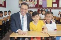 EVDE EĞİTİM - Bir Yıldır Okula Gidemeyen Mert Karnesini Sınıfında Aldı