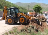 AHMET EREN - Bitlis Belediyesinden Refüj Çalışması