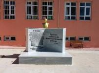 OSMAN GÜRÜN - Büyükşehir Muhtarların Atatürk Büstü İsteğini Gerçekleştirdi