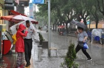 YAĞIŞLI HAVA - Eskişehir'de Yaz Yağmurları Bitmek Bilmiyor