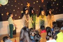 DERS PROGRAMI - 6 Ayda İngilizce Öğrenip, İngilizce Oyun Sahnelediler