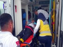 OTOBÜS ŞOFÖRÜ - Acemi Erleri Taşıyan Otobüs Devrildi Açıklaması 43 Yaralı