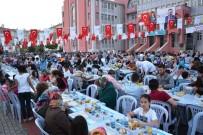 FATMA SEHER - Akpınar Toki Konutlarında Toplu İftar Yapıldı