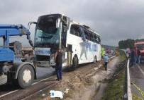 İBRAHIM ŞAHIN - Askerleri Taşıyan Otobüs Kaza Yaptı Açıklaması 49 Yaralı