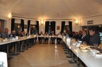 MESUT YILMAZ - Başkan Karaçanta, İftarda Muhtarlar Ve Basın Mensuplarıyla Bir Araya Geldi