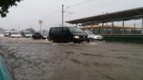 ŞİDDETLİ YAĞIŞ - Bursa'yı Sel Aldı