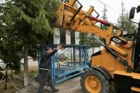 YEŞILKENT - Çöp Konteynerleri Yer Altına İnmeye Devam Ediyor