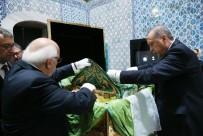 TOPKAPı - Erdoğan, Hırka-ı Saadet'i ziyaret etti