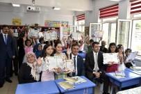 OKAY MEMIŞ - Gümüşhane'de Öğrenciler Karne Aldı