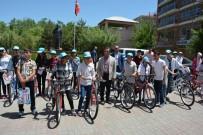 Güroymak'ta Başarılı 80 Öğrenciye Bisiklet Dağıtıldı