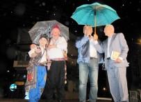 MEHTER TAKIMI - Hisarcık Belediyesinin Ramazan Programına Yağmur Sürprizi