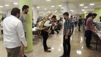 KARABÜK ÜNİVERSİTESİ - KBÜ Öğrencilerine Ramazan Şerbeti İkramı