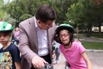 ÖZEL OKUL - Merkezefendi'den Özel Çocuklara Bisiklet Hediyesi