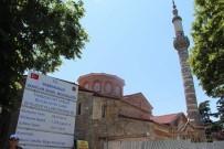Ortahisar Fatih Camisi'nin Onarımı Sürüyor