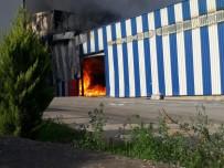PATLAMA SESİ - Osmaniye'de Kağıt Fabrikasında Yangın