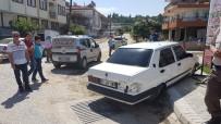 SARıLAR - Otomobilin Çarptığı Genç Kız Ağır Yaralandı