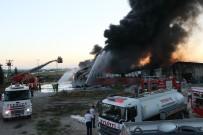 SULUCA - Adana'da Boya Fabrikasında Korkutan Yangın