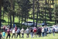 BAYRAM TATİLİ - Aşağı Karacasulular Sereklik Yaylası'nda Buluştular