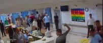 ÖZEL GÜVENLİK GÖREVLİSİ - Hastaneyi Bıçaklarla Basan Grubu Jandarma Dağıttı