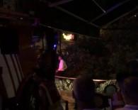 HAYDARPAŞA - Kadıköy'de Asırlık Ağaç Kafenin Üzerine Devrildi Açıklaması 2 Yaralı