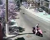 YÜRÜME ENGELLİ - Kuşadası'nda Kaldırıma Çıkan Motosikletin Çarptığı Engelli Yaya Öldü