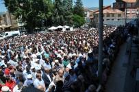 ALI KAYA - Simav'da Bıçaklanarak Öldürülen Genç İş Adamı Fatih Aydar Son Yoculuğuna Uğurlandı