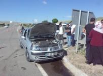 NUMUNE HASTANESİ - Sivas'ta İki Ayrı Trafik Kazası Açıklaması 11 Yaralı