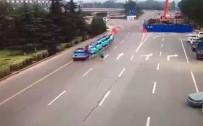 KADIN SÜRÜCÜ - Acemi Kadın Sürücü Öğrencileri Ezdi Açıklaması 1 Ölü, 2 Yaralı
