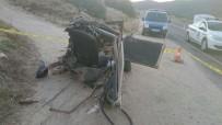 YÖRÜKLER - Araçlar Metal Yığınına Döndü, Sürücülerden Biri Hayatını Kaybetti